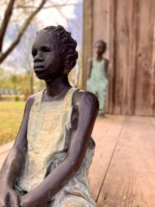 whitney plantation statues